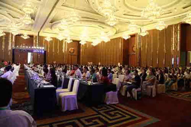 2014中国文化产业新年论坛成都峰会暨成都创意设计周头脑风暴活动论文征集启事